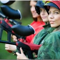 thrilling-paintball-game-technology-let-girls-know-and-play-it-excitingly