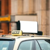maxi-taxi-in-melbourne